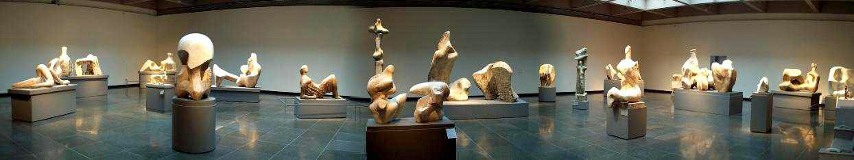 A panorama of Henry Moore works at the Art Gallery of Ontario. Photos and compositing by Montréalais, March 2005.